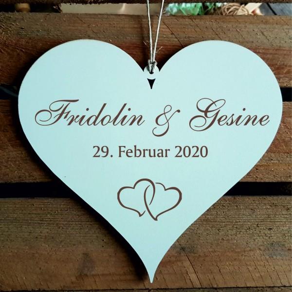 Herzschild Hochzeit mit Namen und Datum - Motiv Herzen