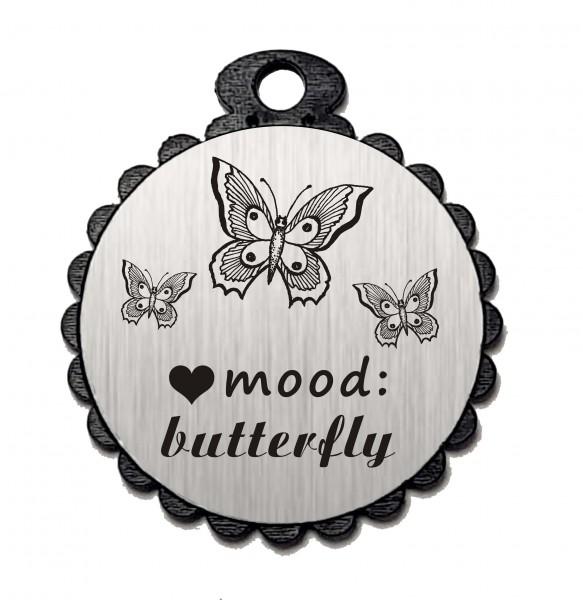 Runder Anhänger « MOOD: BUTTERFLY » mit Motiv Herz SCHMETTERLING - Aluminium Look - silber